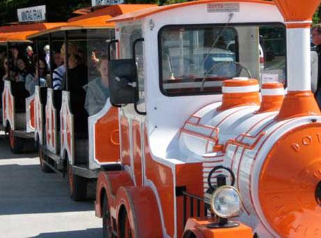 Turisttåg Visby Gotland Transport Charter orange